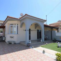 2 Bedroom Bungalow In Liopetri