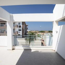 First Floor Apartment In Paralimni